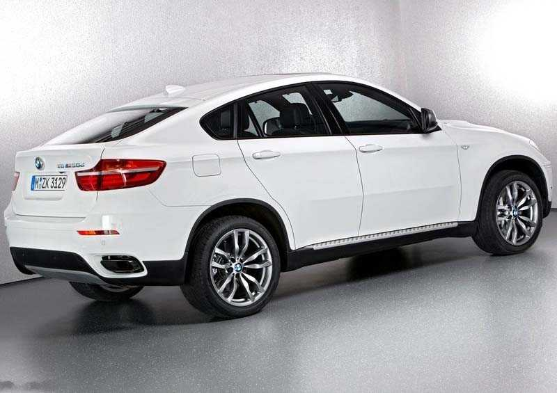 BMW X6 frome side