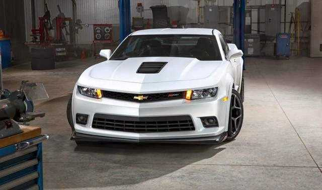 Chevrolet Camaro ZL1 from front