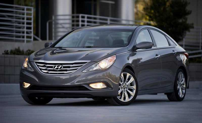 hyundai sonata from front light