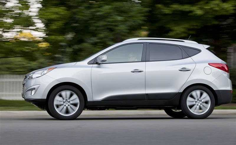 Hyundai Tucson from side on the way