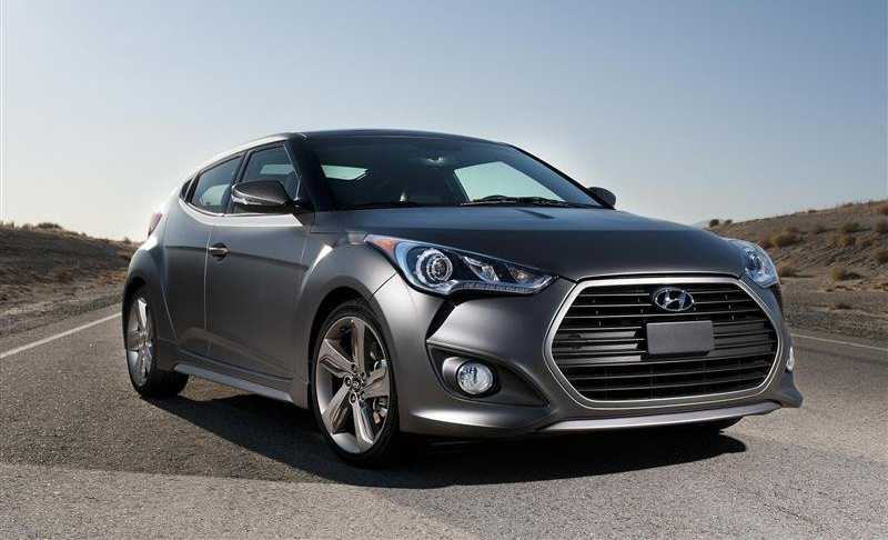 Hyundai Veloster Turbo from light front