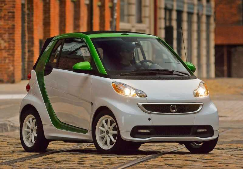 Smart Fortwo electric drive from light from