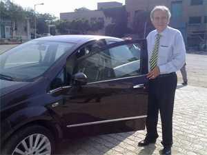 """السيد / جيوزيبي نوفـازيو وسيارته الـ""""لينيا 2011"""""""